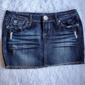 🌻 Almost Famous Distressed Denim Mini Skirt Sz 3